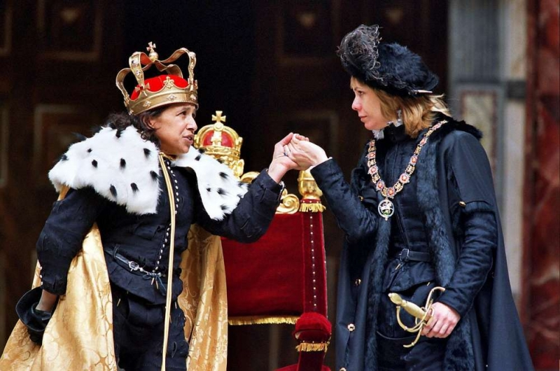 richard iii a tragedy essay As a matter of fact, he does this in many, if not all of his tragedies however, few  may match the juxtaposition of humor with the macabre in richard iii after a.